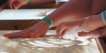 Песочная арт-терапия в ДЦ «Умка»